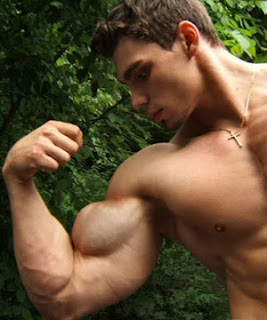 Men-big-muscle